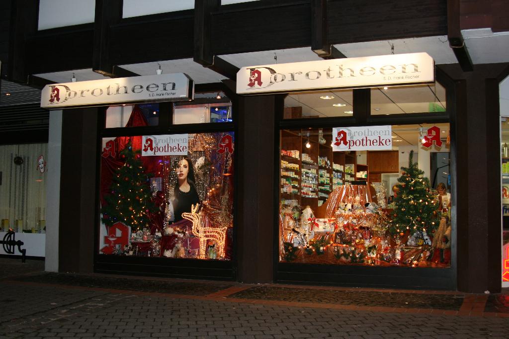 40 weihnachtsdeko schaufenster apotheke schaufenster kugel apotheke focus folienbeschriftung. Black Bedroom Furniture Sets. Home Design Ideas